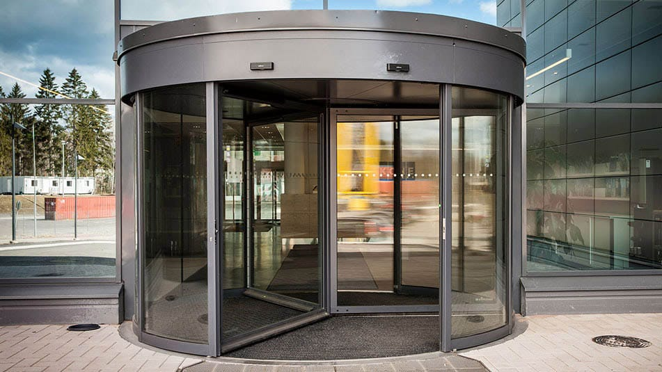KONE revolving door solution at the KONE People Flow Center lobby area